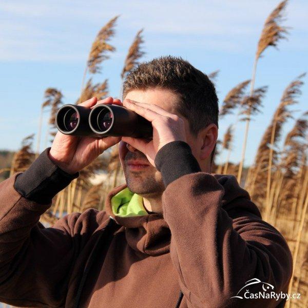 Už žádné dohady o dění na druhém břehu: kvalitní dalekohled je na rybách výborný parťák